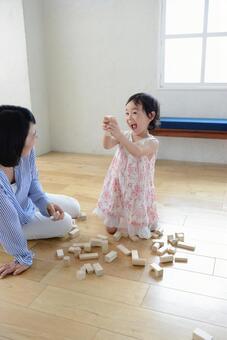 母亲和儿童积木7