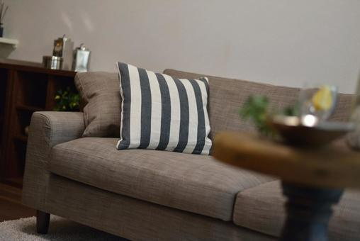 Fashionable side table and sofa