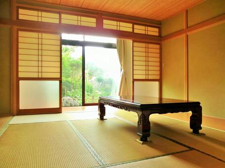Japanese-style room with garden view 1