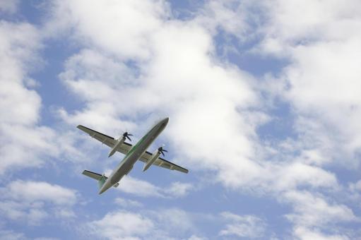 飞机和天空9