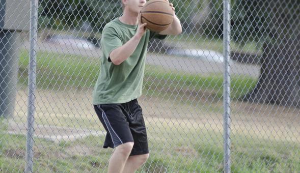 Landscape playing basketball 8