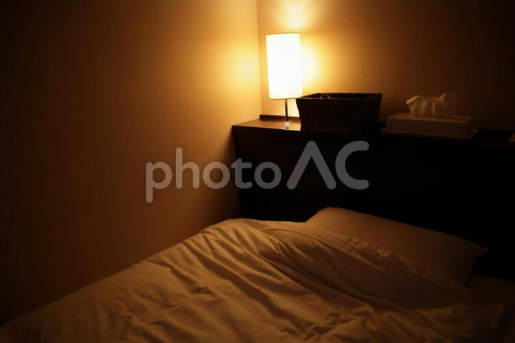 ホテルのベッドの写真