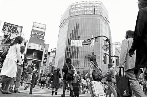 Shibuya scramble intersection 2