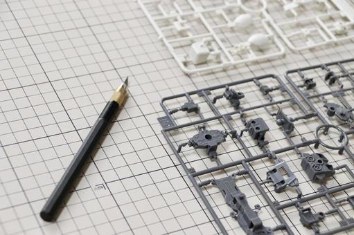 Plastic model and design knife 2