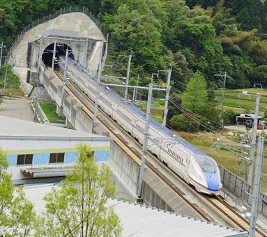 Hokuriku Shinkansen driving