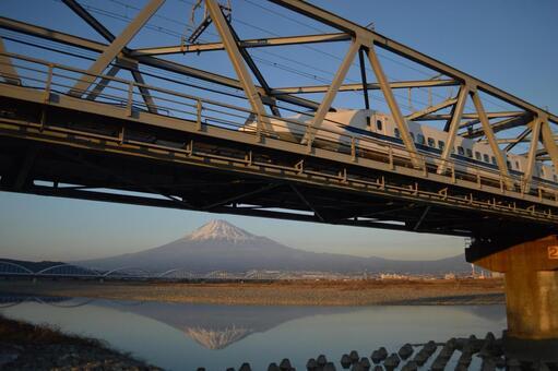 Shinkansen and Mt. Fuji