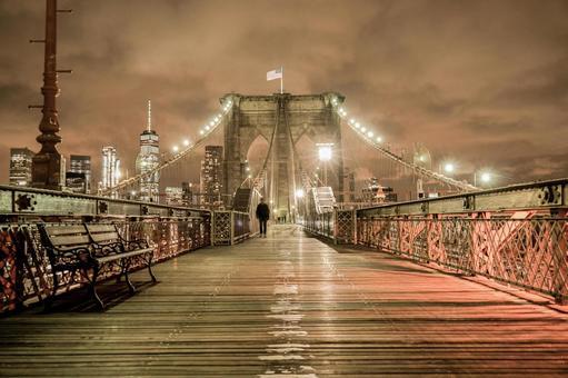 布魯克林大橋12在晚上