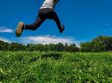 달리면서 점프 한 그림
