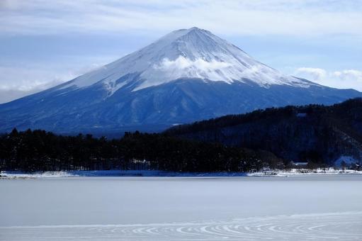 Kawaguchiko and Mt. Fuji 14