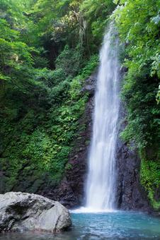 Yoro Waterfall