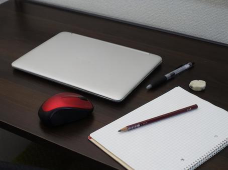 Laptop_Chromebook_3_Telework on the desk