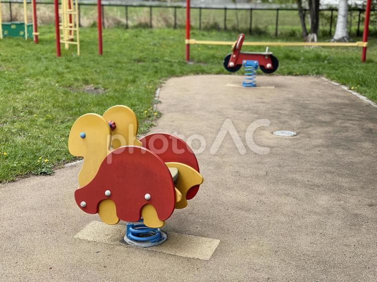 児童公園の遊具の写真