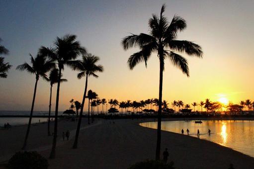 Hawaii Oahu Waikiki Sunset