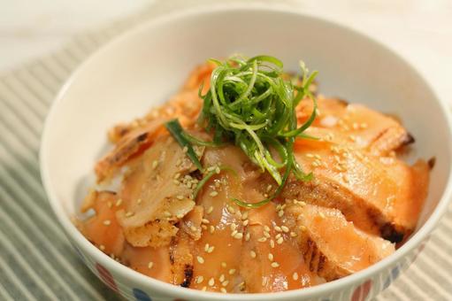 Aburi Toro三文魚哈拉斯碗