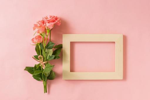 핑크 장미와 액자