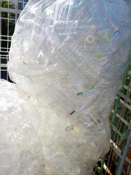 Resource waste PET bottle