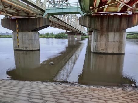 2021 flooded river