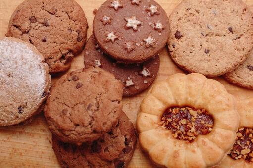 Several types of cookies