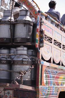 车辆4巴基斯坦