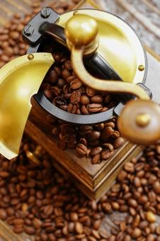 Coffee beans and coffee mills