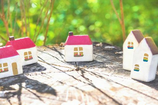 Row of small houses (with windows) 8