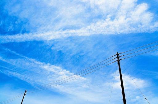Sky and telephone pole (color)