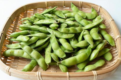 Green soybeans served in a colander