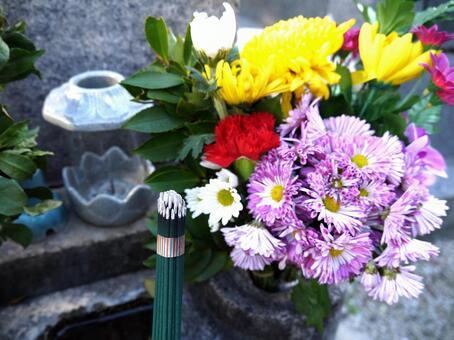 무덤에 바친 향과 꽃 1