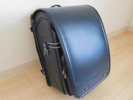 Navy blue school bag (boy)