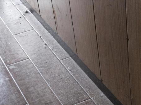Dusty corridor 1