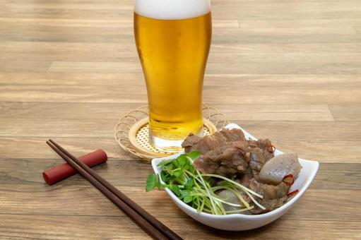 Stewed beef tendon and beer