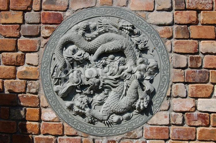 中華建築 龍の外壁装飾 レリーフ 姫路太陽公園の写真