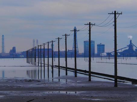 Underwater telephone pole on the Egawa coast