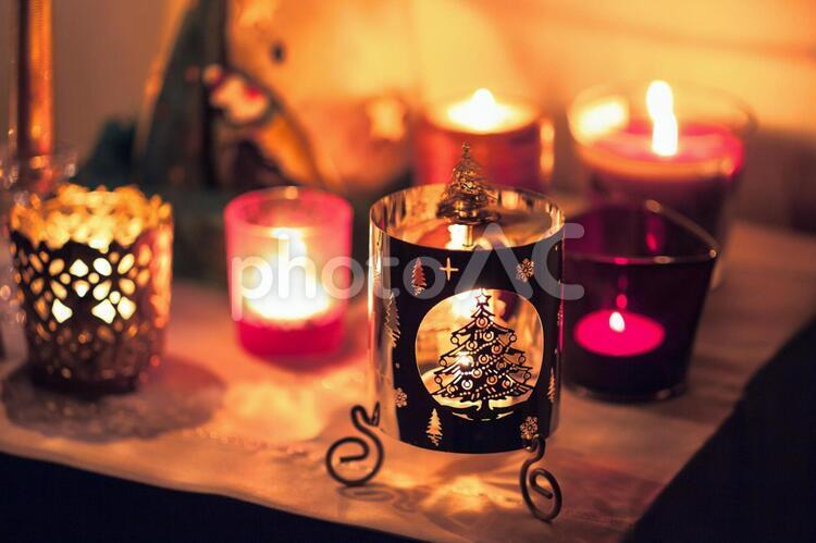 色とりどりのクリスマスキャンドル1の写真