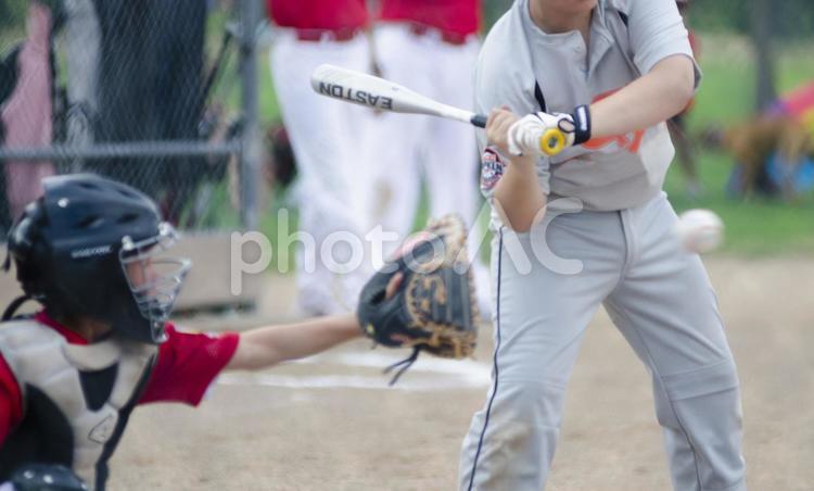 外国 野球をしている風景3の写真