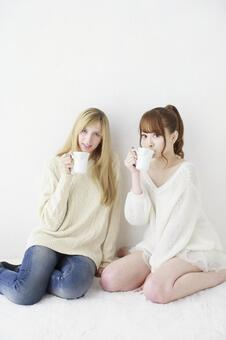 Female friend Foreigner and Japanese 2