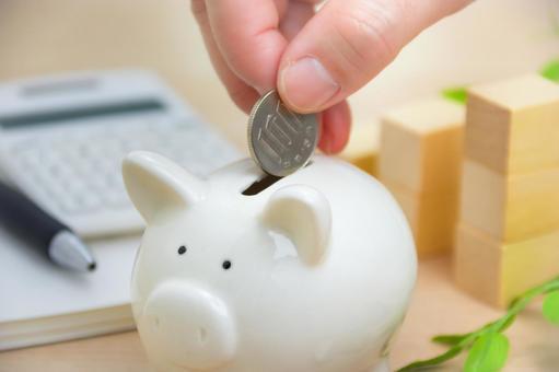 돼지 저금통과 돈 투자 이미지