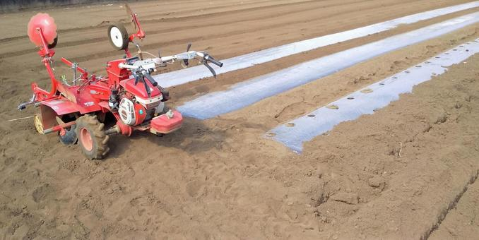 Agricultural work Agricultural equipment Mulch multi-seat Agricultural equipment Field Alley cultivation Agriculture Spring landscape