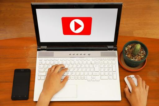 Video sharing service and computer and smartphone