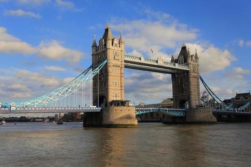 London Bridge 9