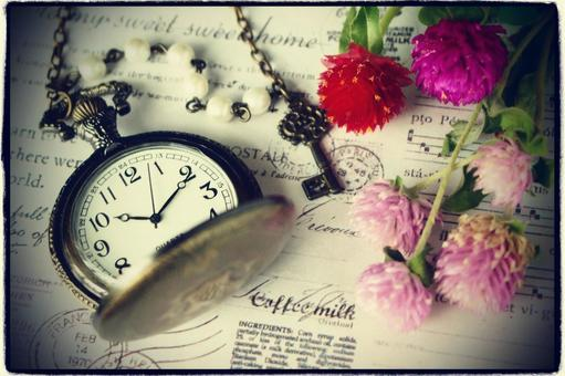 Pennant watch of Sennichiko and memento