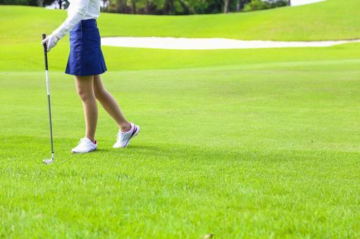 Female golfing 20