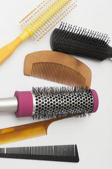 Comb and brush 4