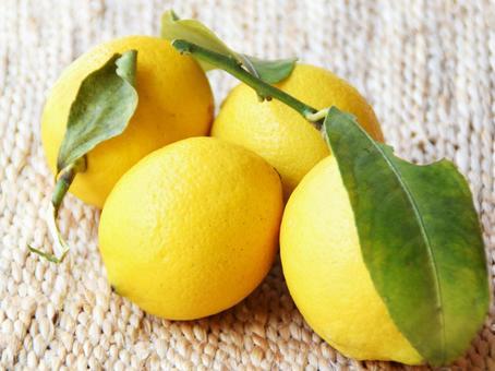 Domestic pesticide-free lemon
