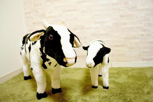 Plush toy of cow parent and child