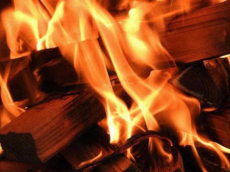 장작의 불꽃