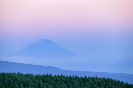 From Kirigamine to Fuji Dusk