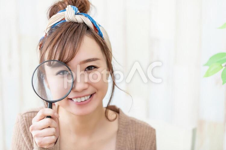 ルームウェアの女性の写真