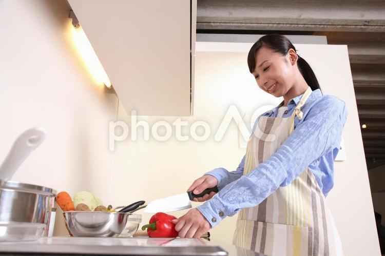 料理をする女性5の写真