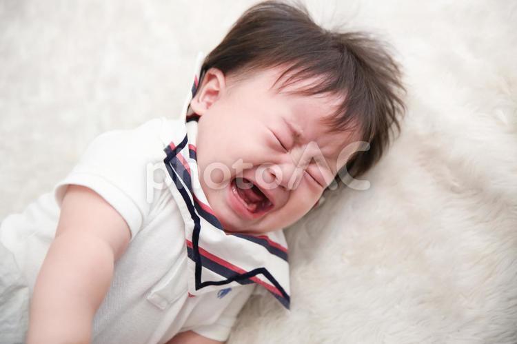 泣き叫ぶ赤ちゃん 2の写真